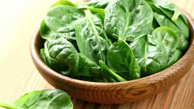 Descubra 4 benefícios secretos do espinafre