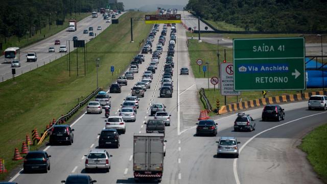 Estradas rumo à capital paulista devem estar carregadas neste domingo