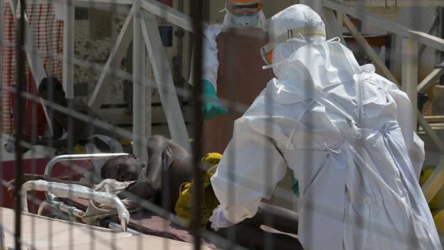 RDC: autoridades reduzem para 202 número de mortes prováveis por ebola