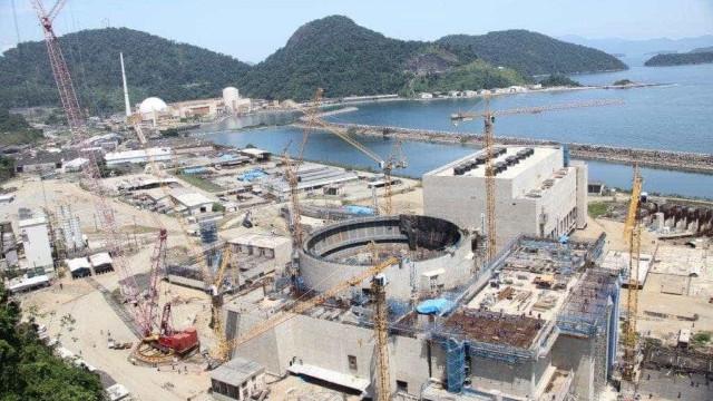 Obras paradas de Angra 3 custam R$ 30 milhões por mês