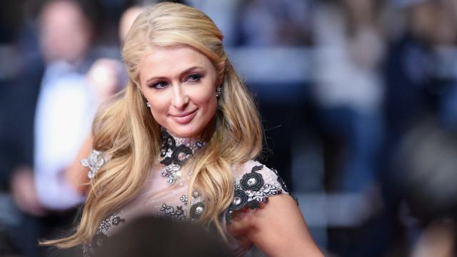 Paris Hilton é criticada na web ao dizer que criou a 'selfie'
