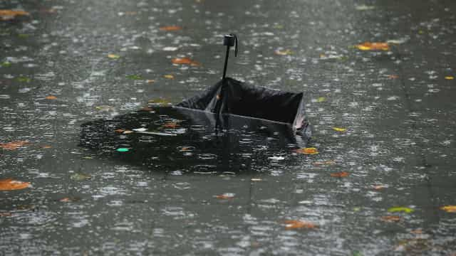 Tempestade mata nove e deixa desaparecidos em ilha na Espanha