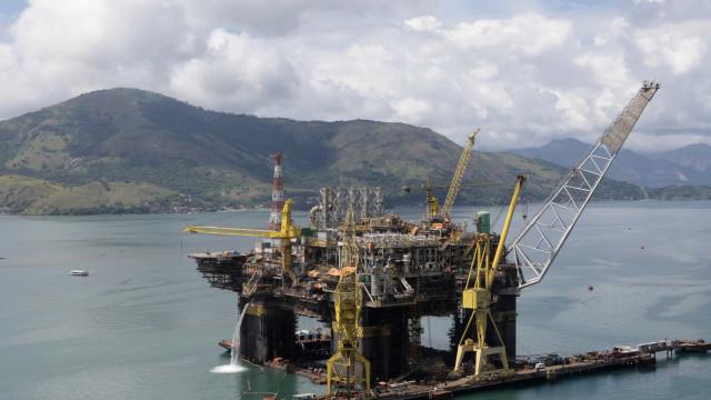 Petrobras fecha contrato de compra de gás natural da União no pré-sal