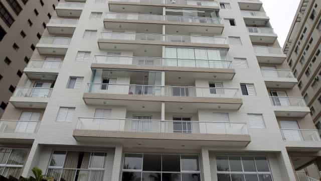 Veja fotos do apartamento atribuído ao ex-presidente no Guarujá