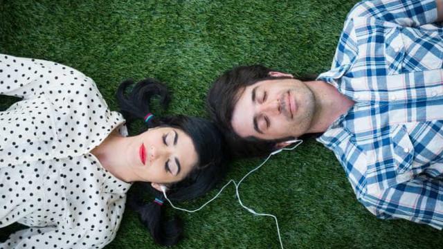 Saiba quantas vezes é preciso limpar os fones de ouvido