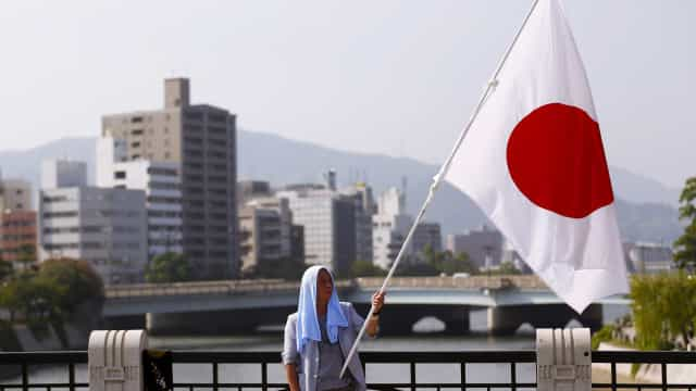 Japão vai fazer exercícios militares à espera de ataque norte-coreano