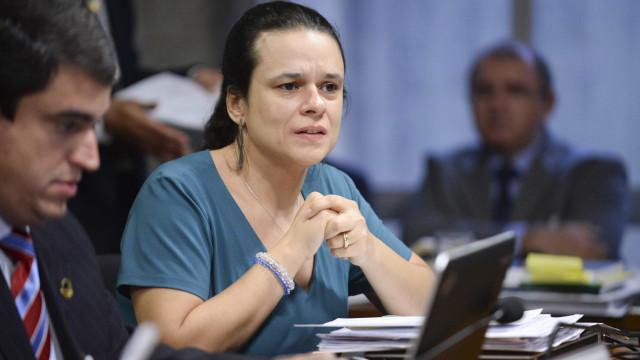 Janaína Paschoal critica sistema após veto de PRP a Bolsonaro