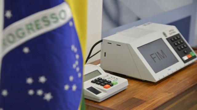 TSE registra substituição de 826 urnas  neste domingo