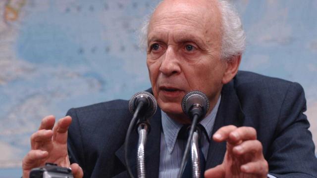 Ricupero recebe prêmio na Academia Brasileira de Letras