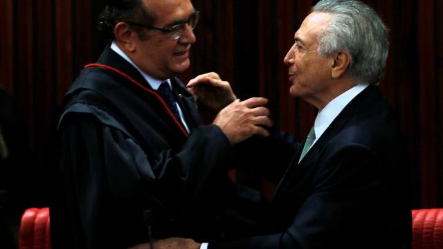 Fora da agenda, Temer recebe Gilmar Mendes no Palácio do Jaburu