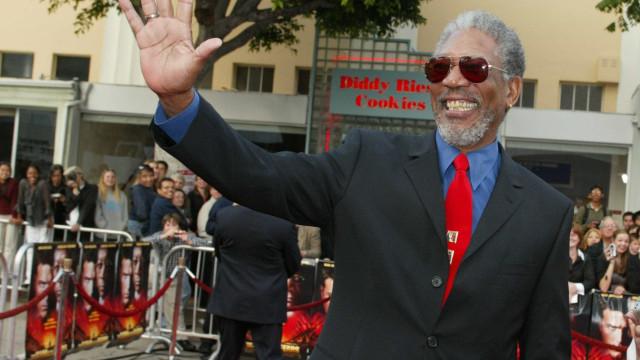 Morgan Freeman pede desculpa após ser acusado de assédio sexual