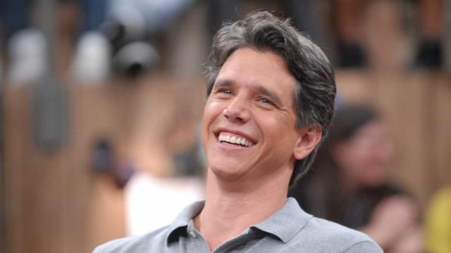 Márcio Garcia comete gafe e chama programa da Record na Globo
