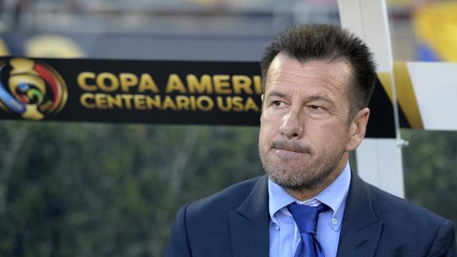 Dunga expõe lei da mordaça na Copa América