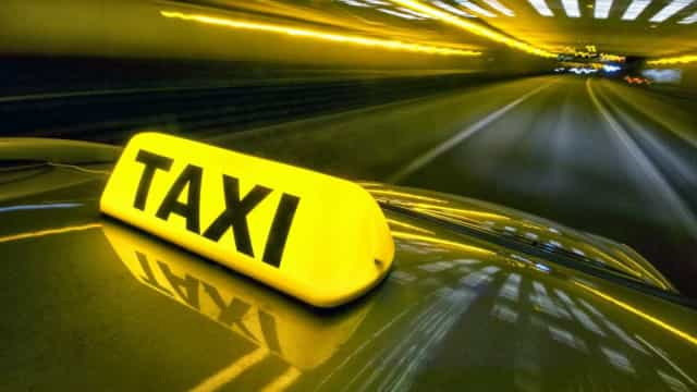 Taxista sai para corrida e é encontrado morto horas depois no RJ