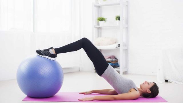 6 exercícios de Pilates para prevenir dores nas costas