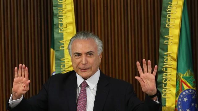 Temer fala em cessar decreto por reforma da Previdência