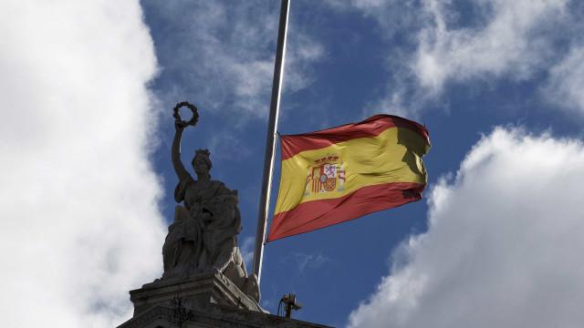 Três mortos em tiroteio em Espanha; autor está foragido