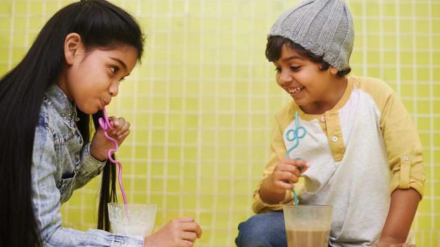 Saiba como a relação entre irmãos contribui à alimentação infantil