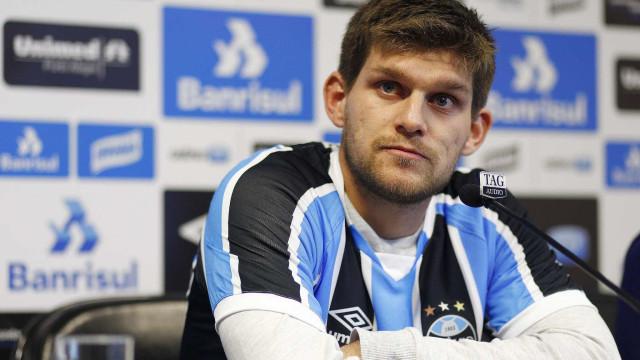 Grêmio recebe aviso de convocação, e Kannemann não pega o Palmeiras