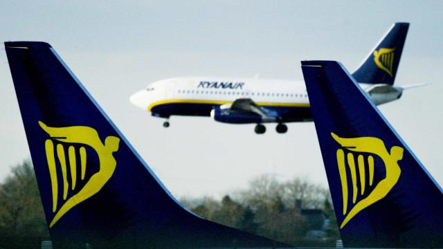 Nove passageiros são expulsos de avião após 'brincadeira'