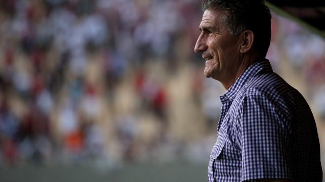 Ex-São Paulo, Bauza tenta título na Argentina após fracassos