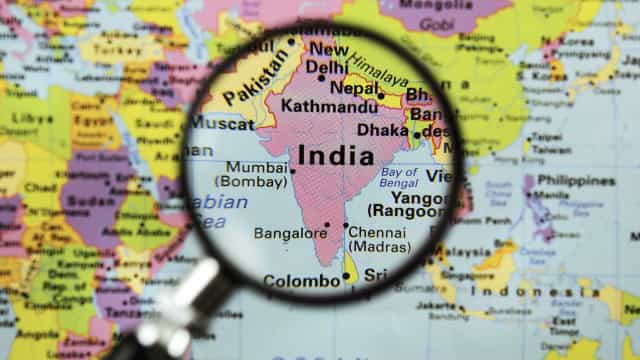 Cinco morre e 142 ficam feridos em incêndio em hospital na Índia