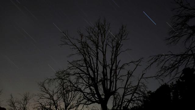 Madrugada desta sexta-feira teve chuva de meteoros