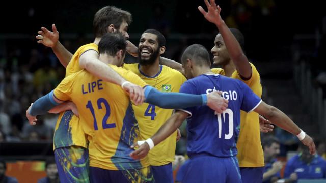 Com vitória dos EUA, Brasil vai à semi do Mundial de vôlei