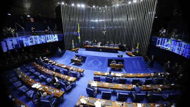 Começa a sessão final do impeachment