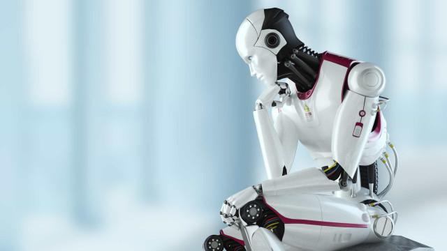 Robôs migram de fábricas para escritórios e geram economia de 80%