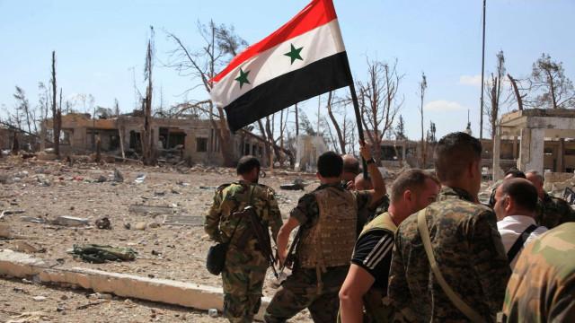 Ataque apoiado pela coligação internacional na Síria mata 28 jihadistas