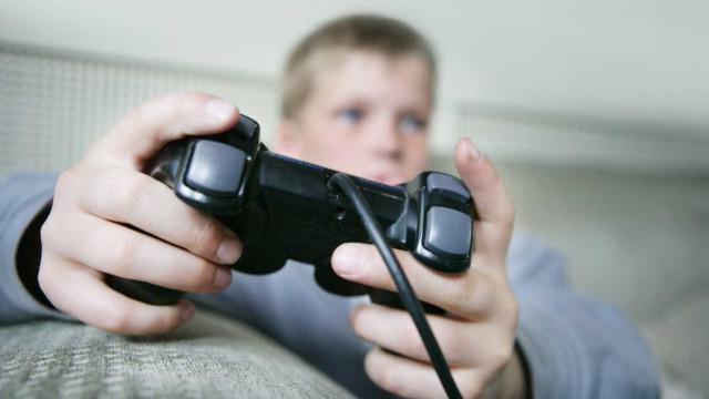 Exército dos EUA cria jogo simulador de tiroteio com crianças em escola