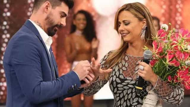 Após separação, Radamés exige aluguel e R$ 500 mil de Viviane Araújo