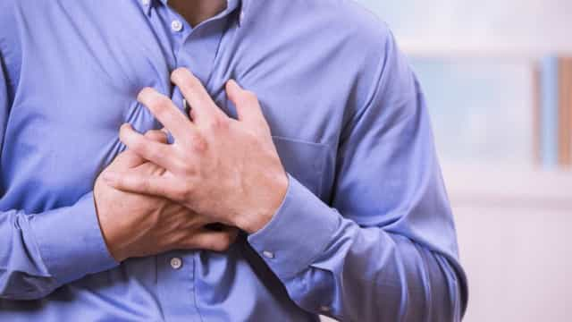 Conheça os sintomas que anunciam o enfarto