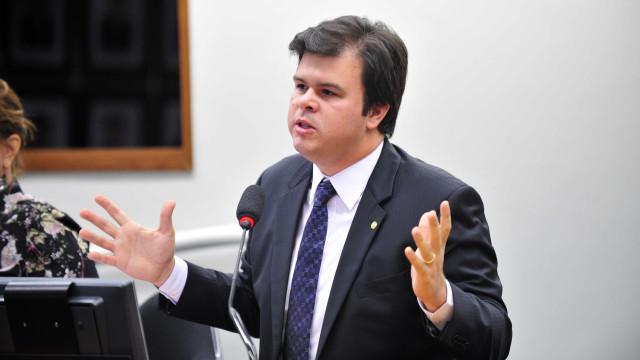 Ministro de Minas e Energia diz que não há riscos de novo apagão