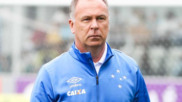 Alvo do Palmeiras, Mano renova com Cruzeiro até o fim de 2019