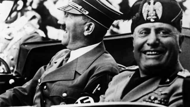 Município italiano revoga cidadania honorária de Mussolini