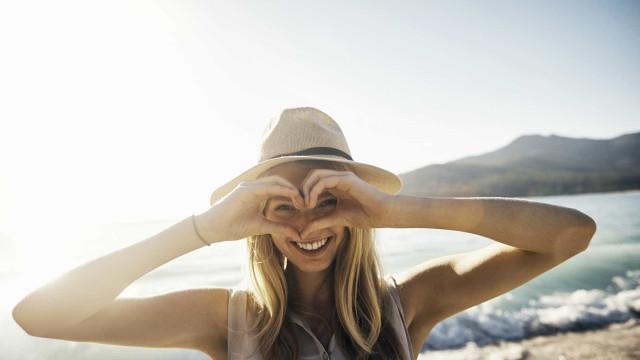 Pesquisa aponta que as mulheres são as que menos acreditam no amor