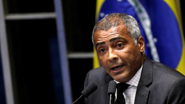 Fazenda vê indícios de lavagem de dinheiro em operações de Romário