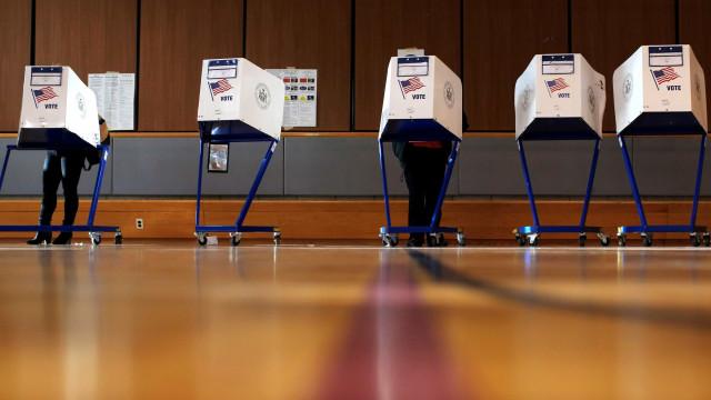 Primeiros colégios eleitorais são encerrados nos EUA