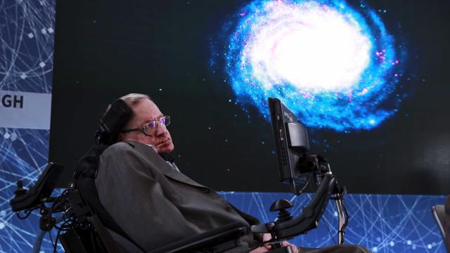 Especialistas destacam importância de Hawking para pacientes com ELA