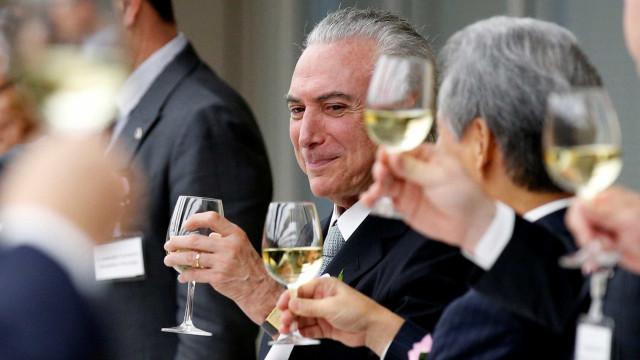 Temer e aliados comemoram derrota de Dilma para o Senado: 'Povo cassou'