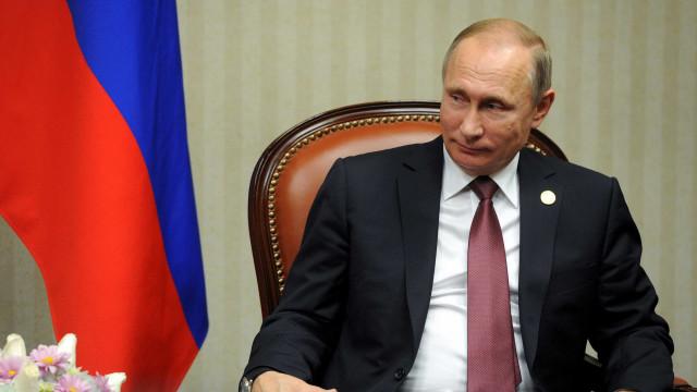 Opositor de Putin é condenado a mais 20 dias de prisão