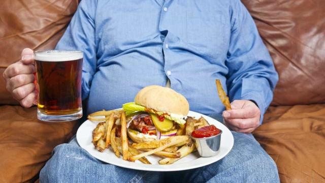 Comer fast-food influencia nível de angústia mental