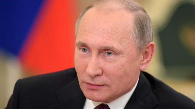 Russos já começam a votar para as presidenciais