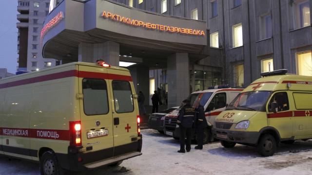 Explosão em agência de serviços secretos mata um e fere três em Moscou