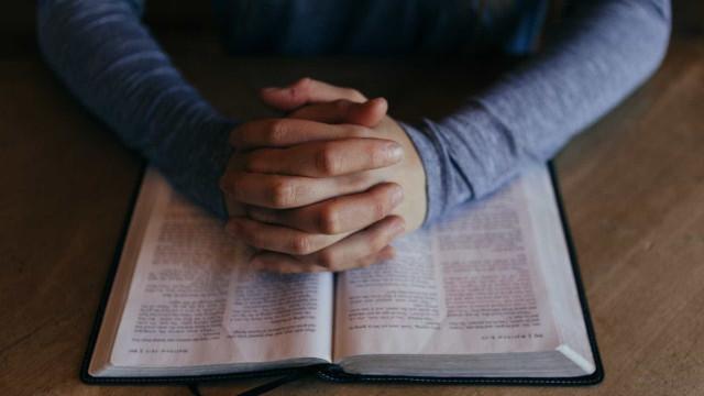 Ladrões invadem igreja evangélica e roubam fiéis em Caruaru