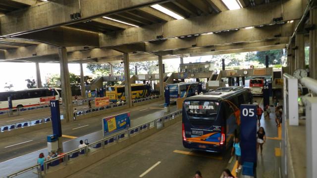 Pela 6ª vez, Prefeitura de SP prorroga contratos de ônibus