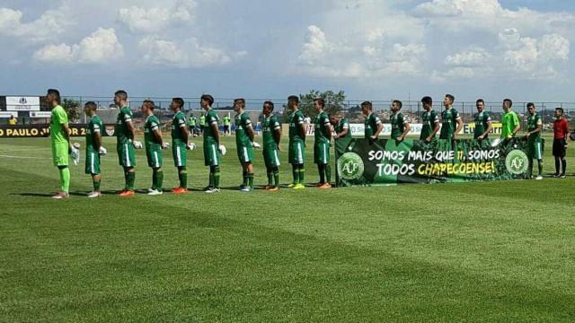 Chapecoense é derrotada no 1º jogo oficial após tragédia