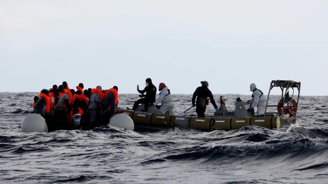 Crise migratória no Mediterrâneo está sob controle, diz UE